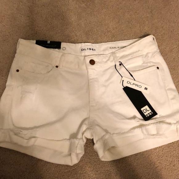 25c0faeb76 DL1961 Shorts | Nwt Karlie Boyfriend Short | Poshmark